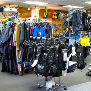 Pre-Owned and Closeout Dive gear